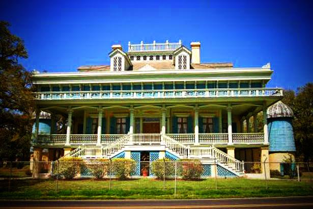 Louisiana 39 s san francisco plantation for San francisco mansion tour
