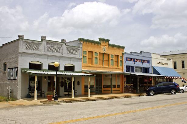 Smithville Texas - Main Street