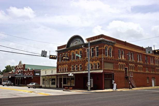 USA.TX.Smithville.Theater